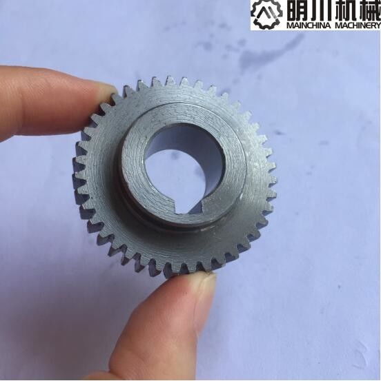 Natural Color 1045 Steel Spur Gears 45C Material With Heat Treatment ISO9001